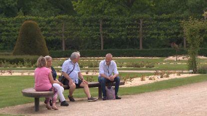 """Heel wat mensen komen ondanks huidige maatregelen nu al samen in parken: """"Het doet deugd om buiten te komen"""""""
