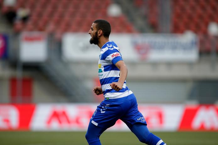 De Graafschap-voetballer Youssef El Jebli juicht na zijn 0-2 tegen MVV.