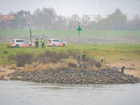 Lichaam gevonden in IJssel bij Deventer, politie vermoedt geen misdrijf
