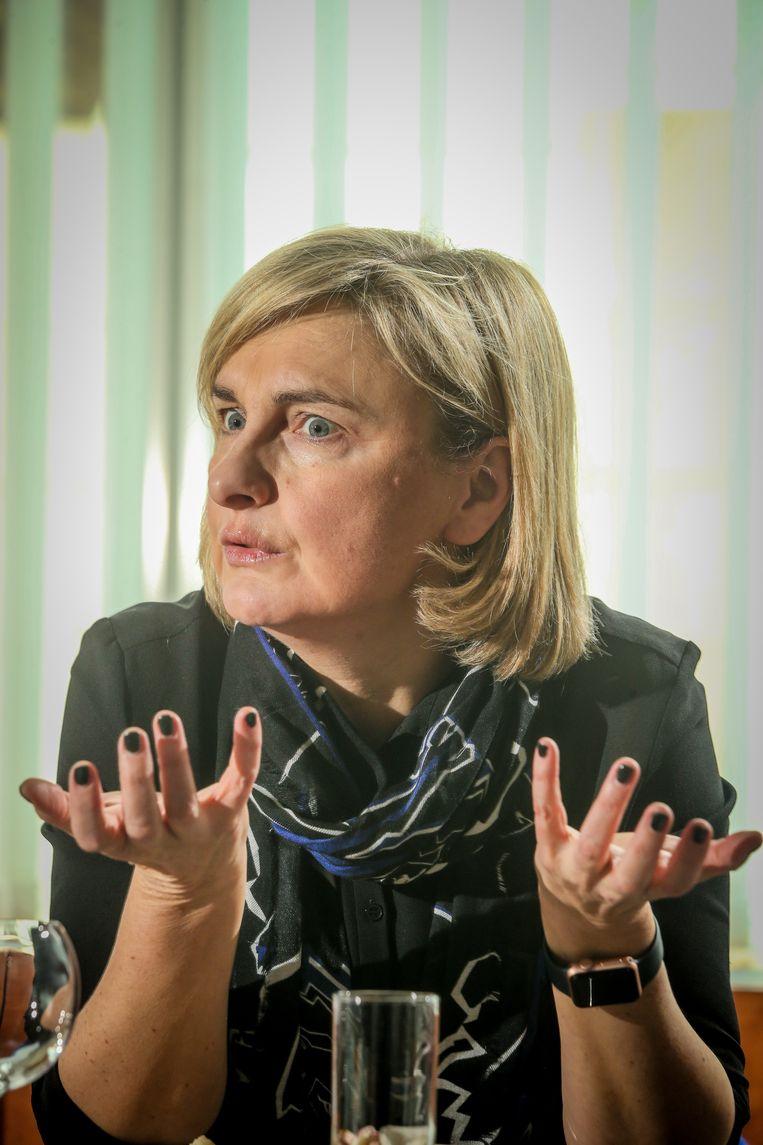 """Bij het ontslag van Schauvliege leek het alsof Hilde Crevits al de regie in handen had bij CD&V. Maar: """"Er is geen vacature voor partijvoorzitter, en ik vind dat Wouter zijn werk uitstekend doet."""""""
