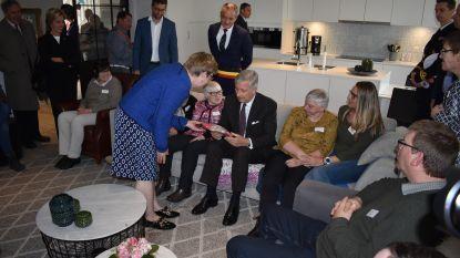 Enthousiaste ontvangst Koning Filip aan Villa Vip in Herzele