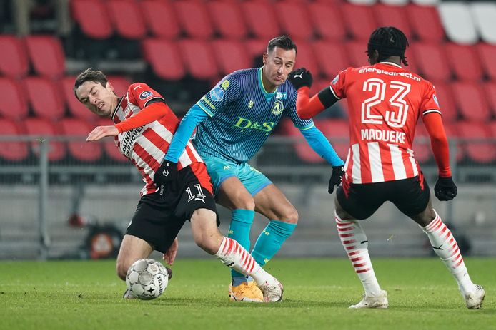 (L-R) Adrian Fein of PSV, Mario Engels of Sparta Rotterdam, Noni Madueke of PSV during PSV - Sparta NETHERLANDS ONLY COPYRIGHT SOCCRATES/BSR