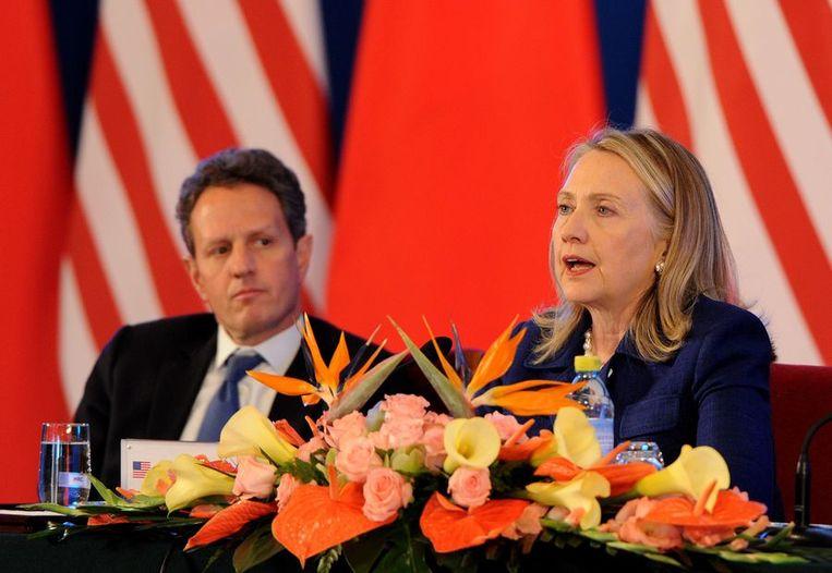 De ministers Geithner en Clinton in Peking Beeld afp