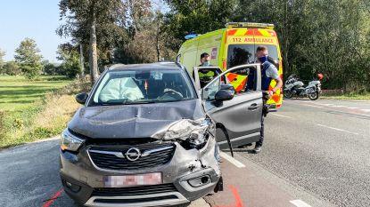 Twee lichtgewonden bij verkeersongeval op Nederzwalmsesteenweg in Zingem