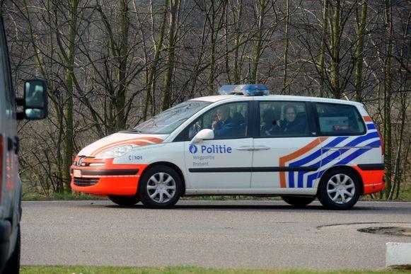 Zoekactie politie op parking aan E314 in Rotselaar