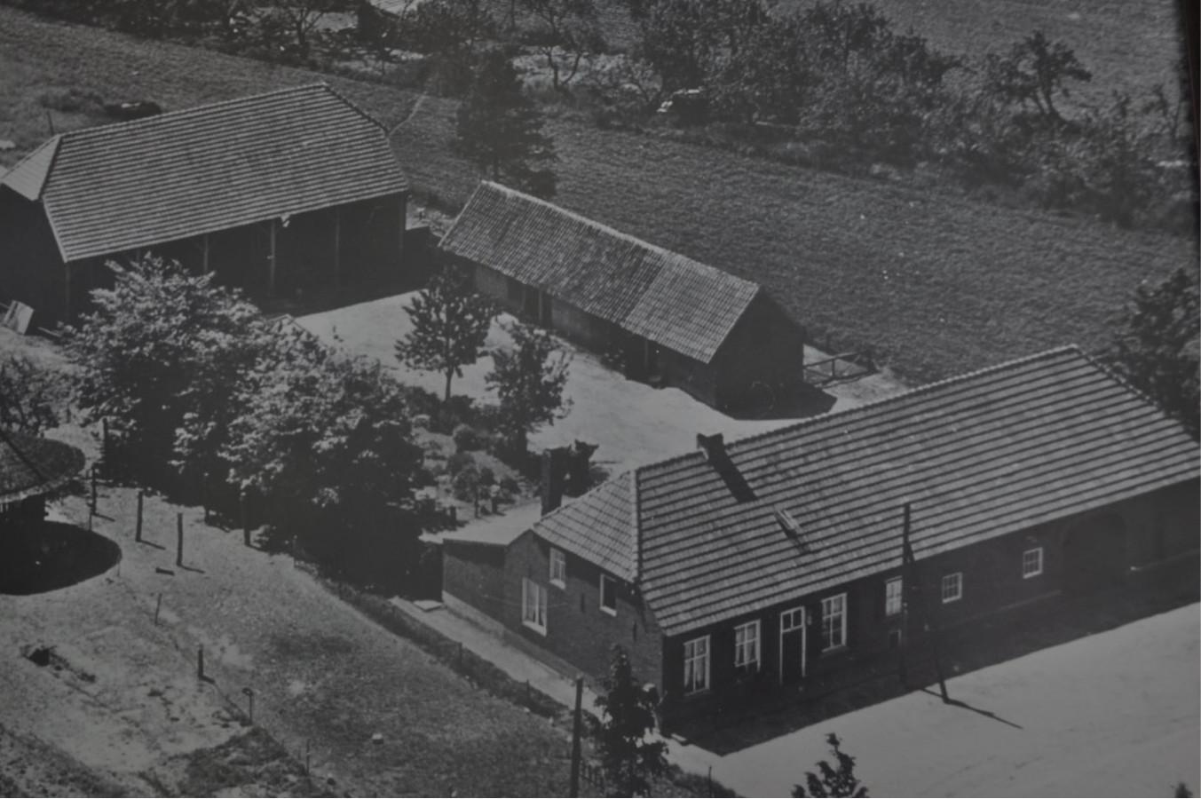 De boerderij van de familie Van der Heijden in Netersel, waar piloot Ernest Holmes een tijdje onderdag kreeg. Hij kwam met zijn bommenwerper neer bij een crash in Vessem.