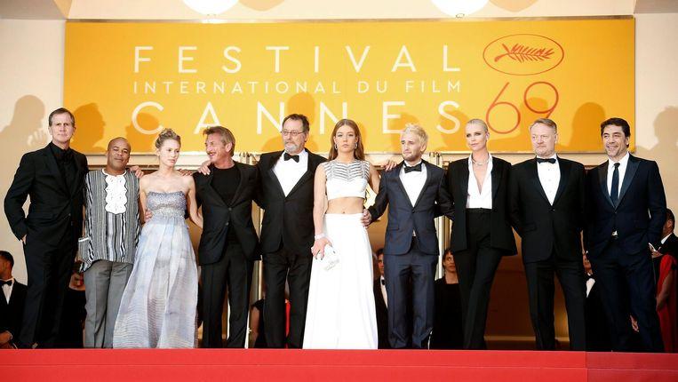 De crew van The Last Face in Cannes, mei 2016 Beeld null