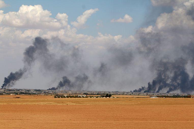 Rook boven Manbij. Beeld reuters