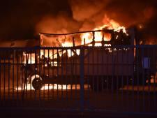 Meerdere vrachtwagens in brand op industrieterrein in Nijmegen