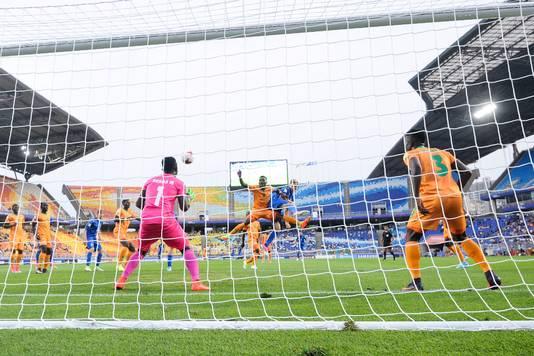 Luca Vido (midden) scoort tegen Zambia.