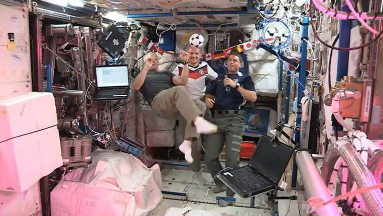 Groetjes vanuit het ISS.