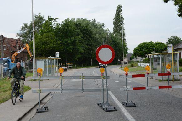 De gewestweg blijft tot de kerstvakantie afgesloten voor alle doorgaand verkeer.