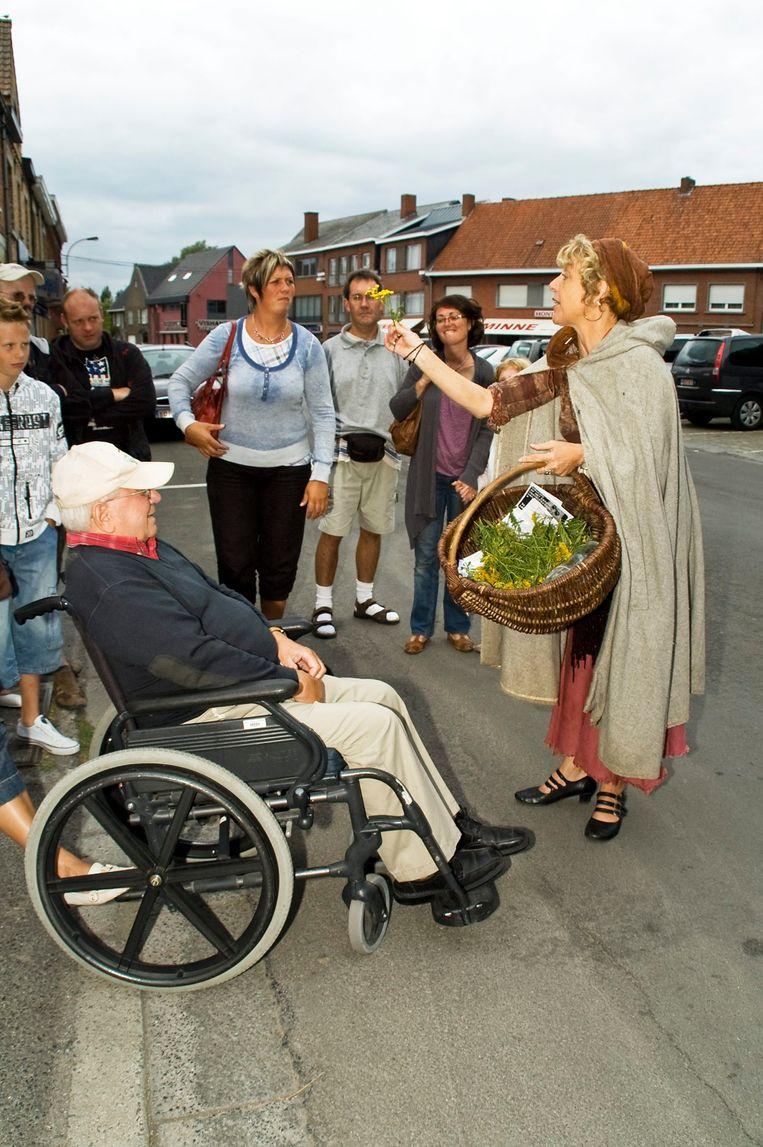 Tijdens de eerste editie van Klapz in 2009 bracht een groep vertellers, verspreid over het centrum van Langemark, volksverhalen en legendes.