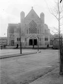 De St. Theresiakerk aan de Waterstraat, 1930.