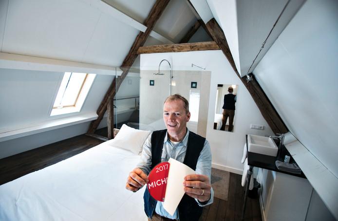 Jan Willems in zijn natuurspa Gasterij Landschot in Hoogeloon.