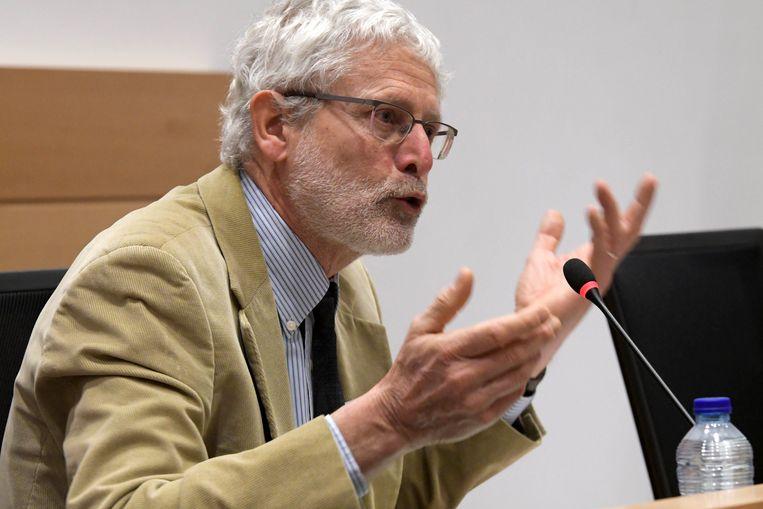 """Advocaat-generaal bij het Hof van Cassatie Damien Vandermeersch.  De experten vinden dat de regering hun voorontwerp al te ingrijpend heeft gewijzigd, maar volgens minister Geens zijn de wijzigingen """"beperkt""""."""