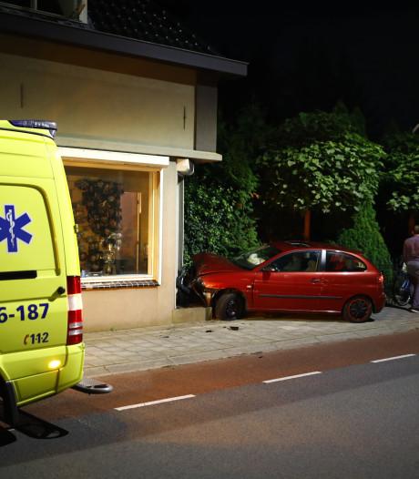 Tieners rammen woning en laten wapen in prullenbak achter na toiletbezoek bij buurtbewoner
