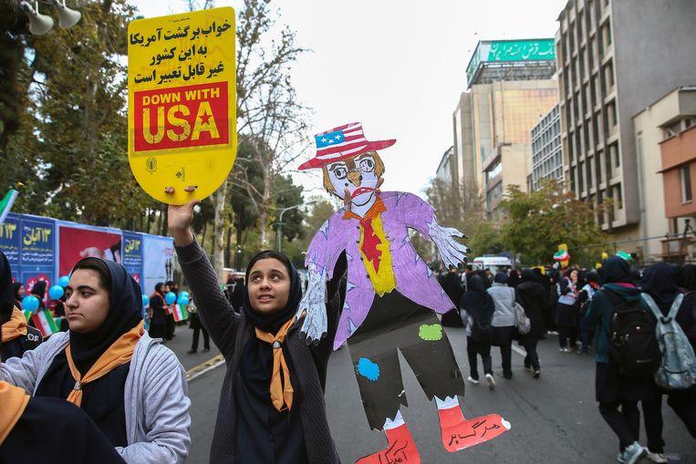 Iraanse studenten herdenken in Teheran de gijzeling van de Amerikaanse ambassade in 1979.