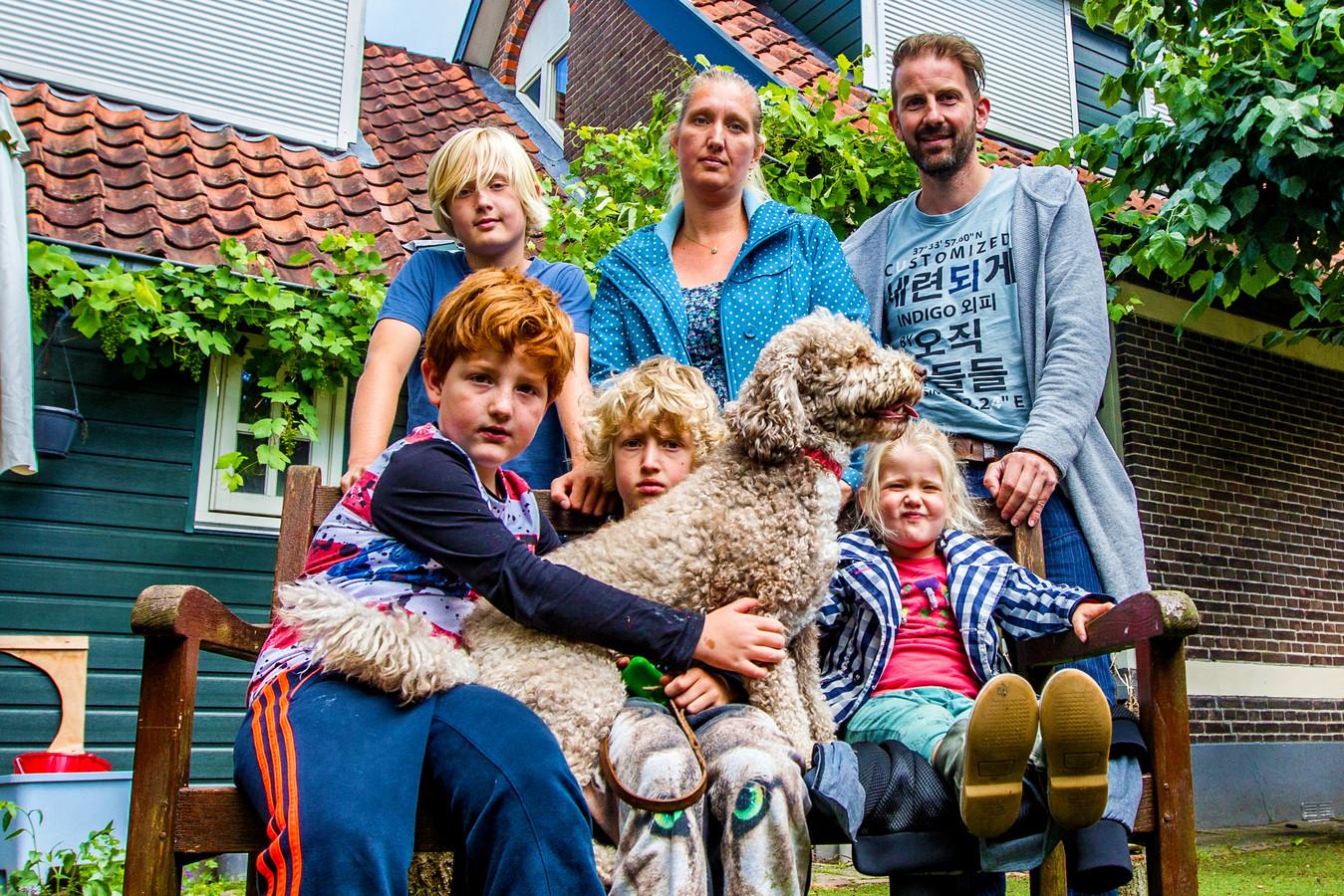 De familie Hofman is vorige maand na een half jaar teruggekeerd naar hun eigen woning.