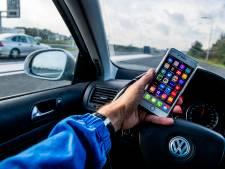 Bijna kwart van jonge bestuurders appt achter stuur