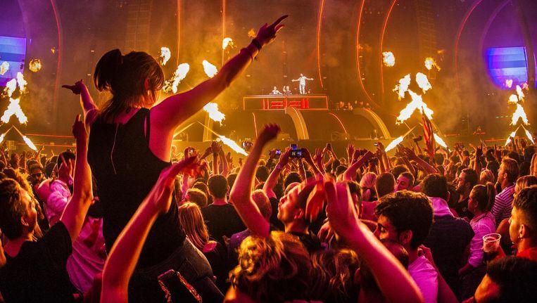 David Guetta en Dimitri Vegas & Like Mike in actie in de Arena tijdens AMF, het grootste festival van ADE Beeld anp