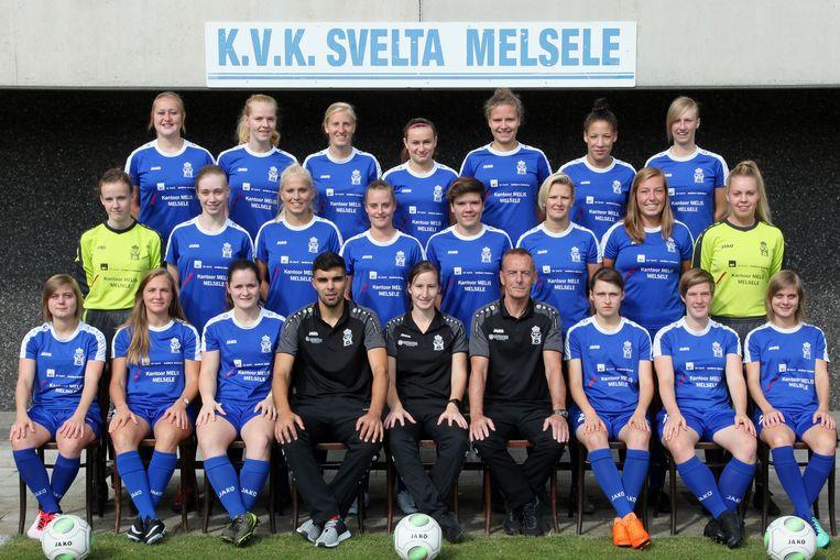 het eerste elftal van Svelta Dames is in shock na het overlijden van één van de speelsters