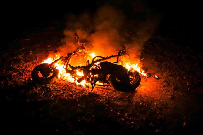 Scooter in brand gestoken op Carpinistraat Geldrop