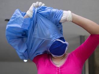 OVERZICHT. Gemiddeld aantal besmettingen, opnames en overlijdens blijven dalen