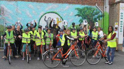 Soroptimist Aalst schenkt 20 fietsen aan Don Bosco