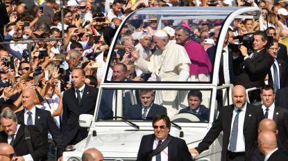 Paus roept maffiosi op om leven vol criminaliteit op te geven