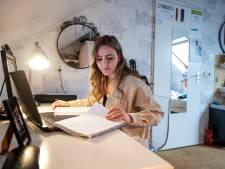 Studente Natascha uit Vriezenveen (19) leert niks, en ze is niet de enige: 'Ik moet straks solliciteren met een coronadiploma'