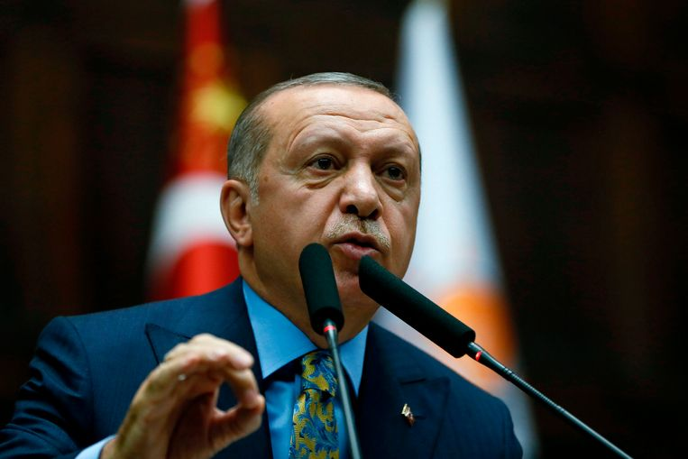 Turkse president Recep Tayyip Erdogan tijdens zijn toespraak, dinsdag 23 oktober. Beeld AFP