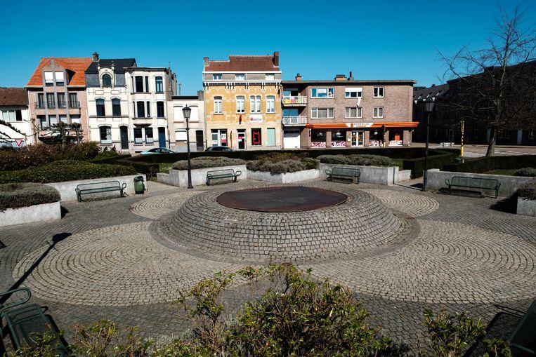 Borsbeek in lockdown. Kerkplein.