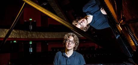 Pianist Minnaar geeft in Eindhoven elke noot een betekenis