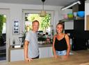Caroline et Quentin veulent faire découvrir une cuisine différente et positive.