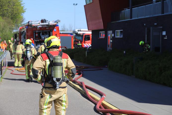 Brand bij voetbalvereniging Lyra aan de Veilingweg in De Lier.