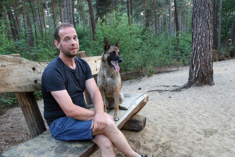 Geert Renders met zijn Mechelse herder.