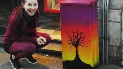 Graffiti fleurt elektriciteitskastjes op