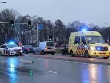 Kop-staartbotsing in Nijverdal: vrouw naar ziekenhuis