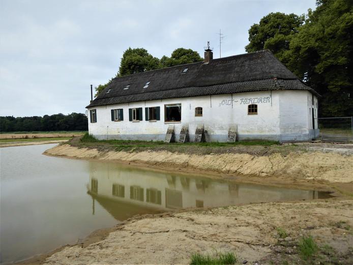 De boerderij Oud-Herlaer wordt op termijn een museum met ook kunst in de buitenlucht erbij.