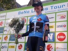 Archibald wint proloog BeNe Ladies Tour, goede uitgangspositie Vos