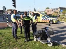 Scootmobiel valt om; bestuurder raakt gewond
