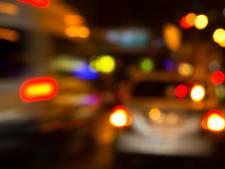 Bezopen scooterrijder ramt auto in Vriezenveen