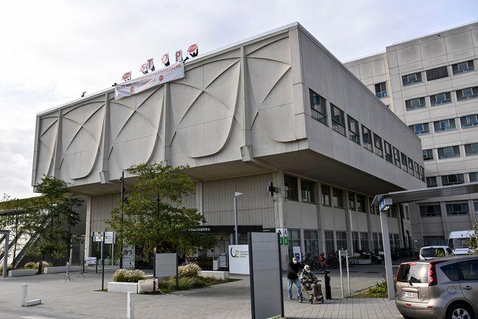 UZ Brussel: het ziekenhuis toonde de boodschap 'STOP' om de situatie een halt toe te roepen.