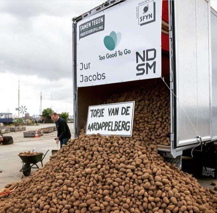 Berg niet verkochte aardappels.
