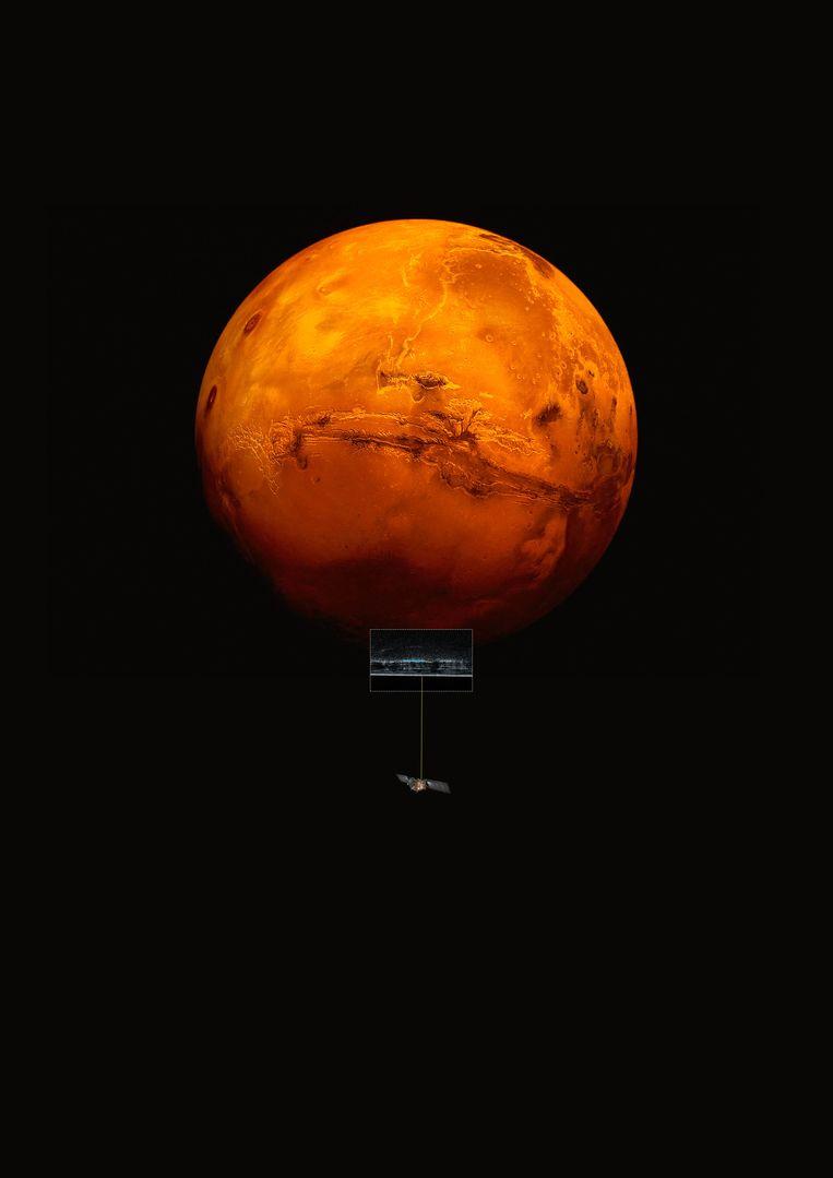 De Europese ruimtesonde Mars Express speurt naar water onder de  zuidelijke poolkap van de rode planeet. Beeld ESA