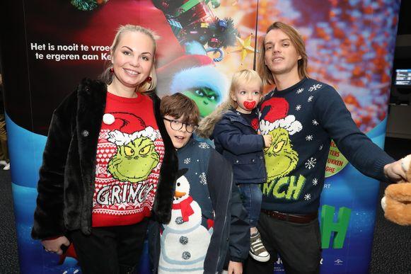 Lesley-Ann Poppe, haar man Kevin Lebreton en kids Benjamin en Gabriël