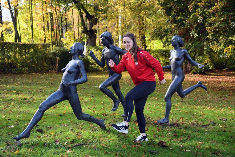 Dora De Haeseleer is de nieuwste aanwinst van de Belgian Bullets, het meisjesbobsleeteam.