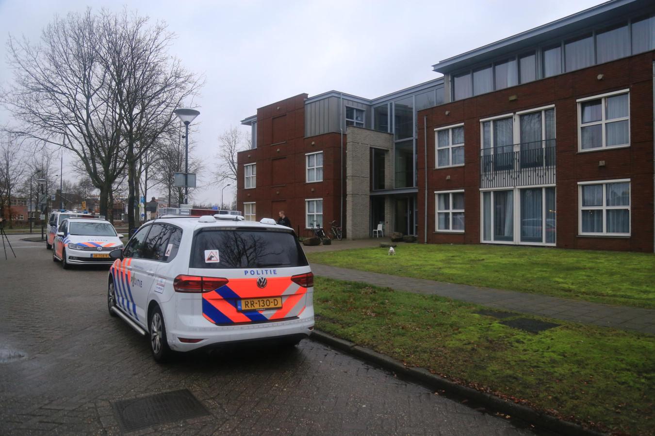 De politie deed na het incident onderzoek in de woning.