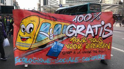 Betogers uiten ongenoegen over stijging van tarieven bij MIVB